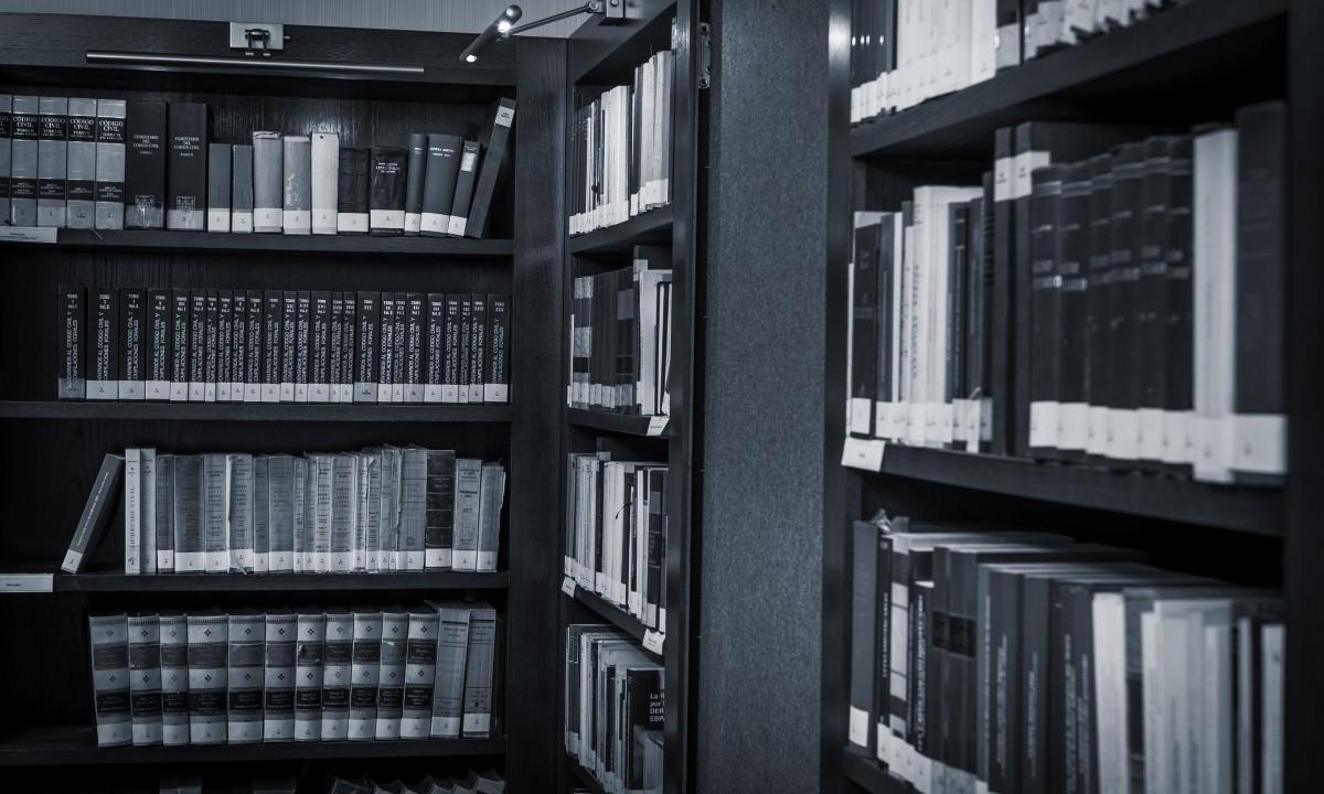 Ramon y Cajal Abogados-foto biblioteca